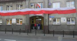 10-metrowa flaga w ZS im. M.Grzegorzewskiej