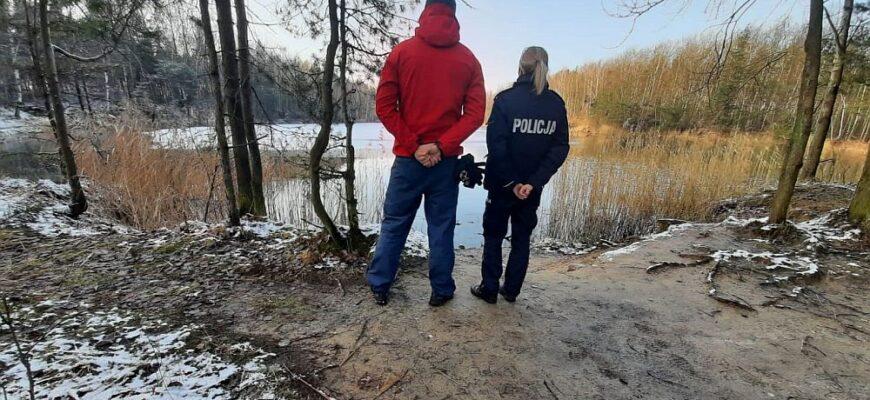 Służby patrolują zbiorniki wodne